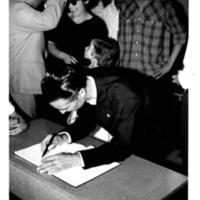 Sessão solene assinatura.jpg
