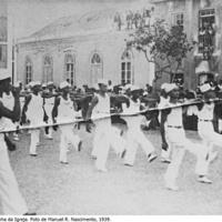 07 Ginástica rítmica na Pracinha da Igreja. Foto de Manuel R. Nascimento, 1939..jpg