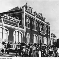 Quartel e Correio – edifício onde funcionou o Liceu de Mindelo (Liceu Infante D. Henrique; Liceu Gil Eanes)